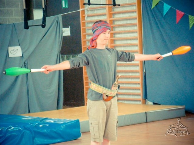 phoca_thumb_l_spectacle2010_28